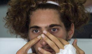Simoncelli fällt von der Trage (Foto)