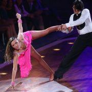 Simone Ballack ist einfach nicht fürs TV-Tanzen geschaffen. Da kann auch Profitänzer Erich Klann nichts dran ändern.