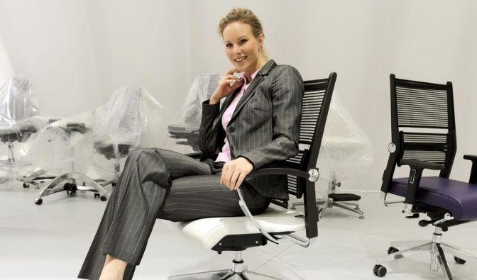 Sitzen mit Bodenhaftung: Bürostühle richtig einstellen (Foto)