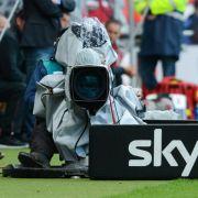 Sky zeigt alle Spiele der Fußball-Bundesliga live im Pay-TV. (Foto)
