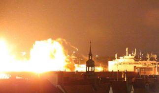 So gewaltig war der Feuerball nach der Sprengung der Fliegerbombe in München-Schwabing. (Foto)