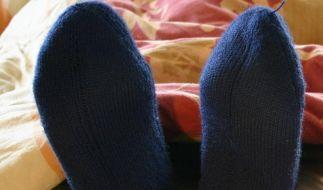 So werden die Füße im Winter wieder warm (Foto)