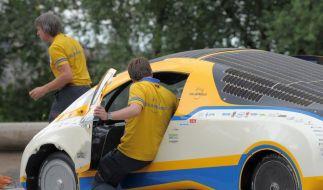 Solarauto geht auf Weltumrundung in Dresden der Strom aus (Foto)