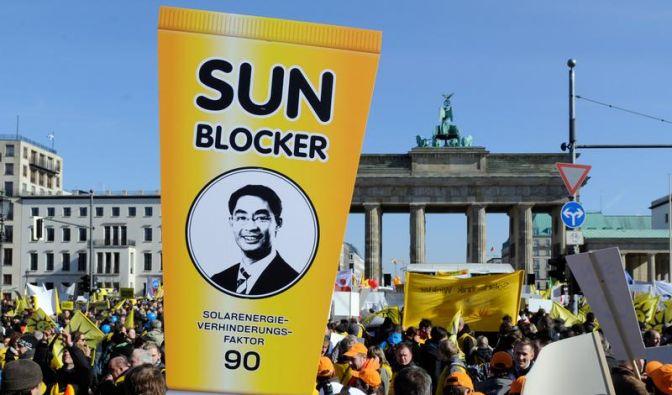 Solarförderung: Rösler verteidigt Kürzung (Foto)