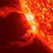 Gigantische Plasma-Ausbrüche, brodelnde Gas-Strudel, wirbelnde Magnetfelder: Die Sonne hat unendliche Energien, wie diese Nahaufnahme des Sonnenobservatoriums SDO der US-Raumfahrtbehörde NASA zeigt.