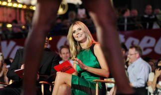 Sorgte mit einem tiefen Einblick für Aufsehen: Trug Heidi Klum etwa keinen Slip bei der Eröffnung ihrer Show Projekt Runway. (Foto)