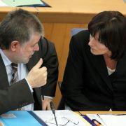 Sozialministerin Malu Dreyer und Ministerpräsident Kurt Beck im Landtag in Mainz.