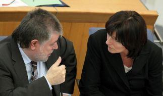Sozialministerin Malu Dreyer und Ministerpräsident Kurt Beck im Landtag in Mainz. (Foto)