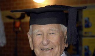 Späte Uni-Karriere: 97 Jähriger schafft Abschluss (Foto)