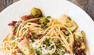 Spaghetti mit Artischocken und Kapern (Foto)