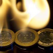 Spanien und Griechenland brennen schon. Greift durch gemeinsame Haftung der Brand auf Deutschland über?