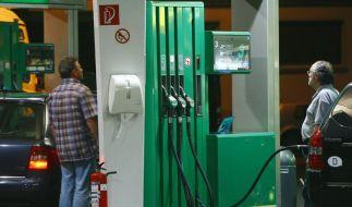 Spaßfreie Zone: Die Spritkosten sind ein Sinnbild dafür, dass Autofahren teurer wird. (Foto)