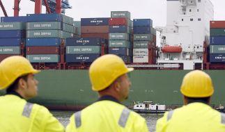 Spediteure bewegen Güter, Logistiker steuern den Warenfluss - beide arbeiten global. (Foto)