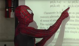 Spiderman an der Uni. (Foto)