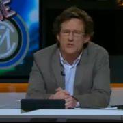 Thomas Herrmann gibt den Nachrichtensprecher.