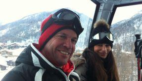 Sportlich ist Lothar Matthäus ja. Nicht nur im Fußball, auch auf der Skipiste. Wenn da nur nicht die Enge der Kabinenbahn wäre... (Foto)