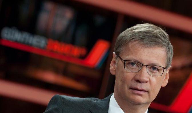 Springt in der Debatte um dumm machendes Internet auf den falschen Zug: Günther Jauch. (Foto)