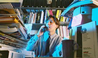 Stapelwahnsinn am Schreibtisch (Foto)