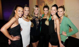 Statt drei, sind diesmal vier Mädchen dabei: Heidi Klum nimmt mit Dominique, Kasia, Luisa und Sarah Anessa Kurs aufs Finale. (Foto)