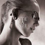 Sie mischt Soul, Funk und Rock auf beeindruckende Art und Weise: Jetzt ist das dritte Album von Stefanie Heinzmann erschienen.