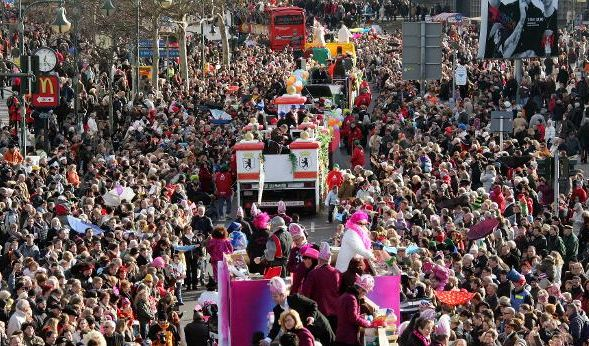 Jecken bangen! Düsseldorfer Karnevalszug droht das Aus (Foto)