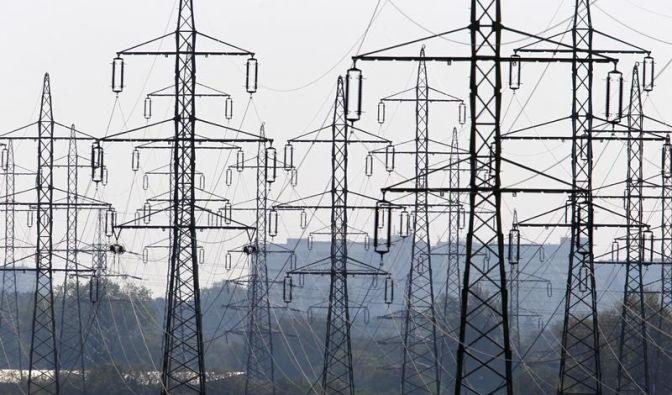 Steigende Stromkosten - Bei Wechsel Fristen beachten (Foto)