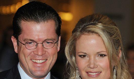 Stephanie und Karl-Theodor zu Guttenberg sind momentan das bekannteste Adelspaar Deutschlands. (Foto)