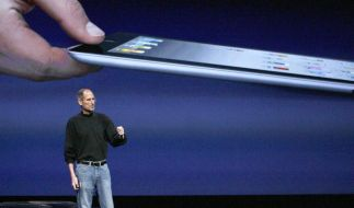 Steve Jobs stellt das neue iPad 2 selbst vor (Foto)