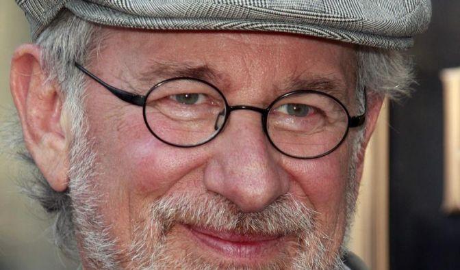 Steven Spielberg mistet Pferdestall aus (Foto)