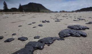 Strände in Neuseeland von Ölklumpen bedeckt (Foto)