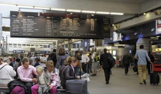 Streik behindert Zug- und Flugverkehr in Frankreich (Foto)