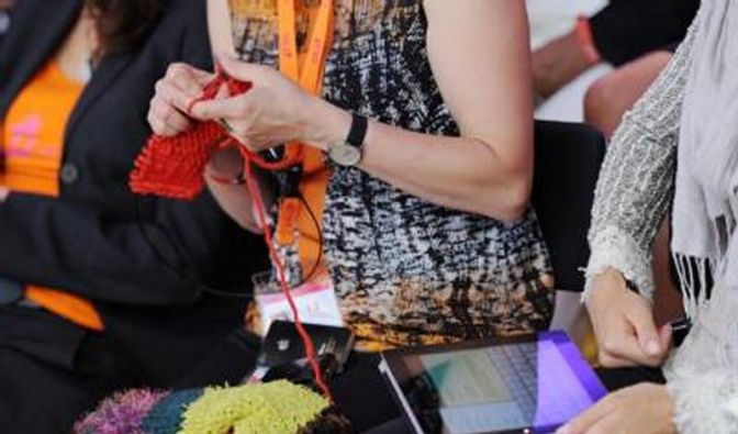 Stricken, Vernetzen, Vermarkten - Frauen im digitalen Aufbruch (Foto)