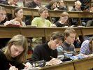 Studenten im Hörsaal (Foto)