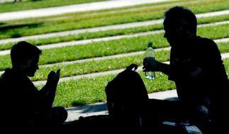 Studie: Zeit mit den Eltern tut Teenies gut (Foto)