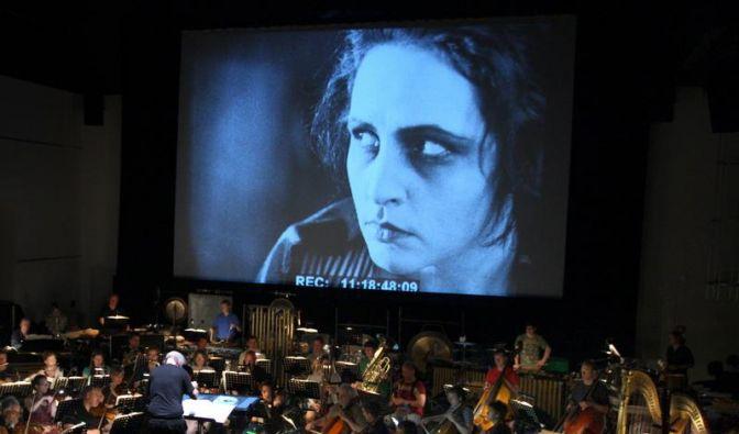 Stummfilm «Die Weber» mit neuer Orchestermusik (Foto)