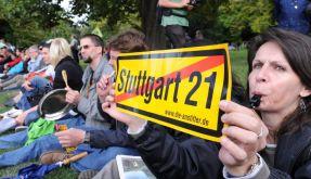 Stuttgart-21-Gegner blockieren Baustelle (Foto)