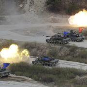 Südkoreanische und US-amerikanische Panzer bei einem Manöver auf dem Seungjin Fire Training Field in Pocheon. (Foto)