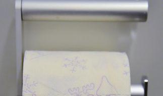 Süß! Für Rentier-Toilettenpapier sollen die Kunden ein wenig tiefer in die Tasche greifen. (Foto)