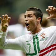 Superstar und Glamourboy: Cristiano Ronaldo schießt Portugal ins Halbfinale der EM und jubelt auf seine ganz spezielle Art.