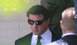 Sylvester Stallone (66), Schauspieler, hat am Samstag im engsten Freundes- und Familienkreis seinen 36-jährigen Sohn Sage beerdigt. (Foto)