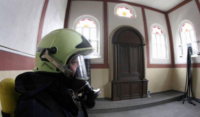 SynagogeSynagoge als Gaskammer Santiago Sierra.jpg (Foto)