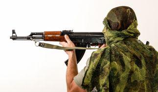 Syrische Rebellen kopieren den IS und veröffentlichen brutale Hinrichtungsvideos. (Foto)