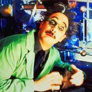 Szene aus dem Film Mystery Science Theatre 3000: Verrückte Wissenschaftler sind keine Science-Fiction. Sie sind unter uns - und beglücken uns mit kuriosen Forschungsergebnissen.