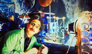 Szene aus dem Film Mystery Science Theatre 3000: Verrückte Wissenschaftler sind keine Science-Fiction. Sie sind unter uns - und beglücken uns mit kuriosen Forschungsergebnissen. (Foto)