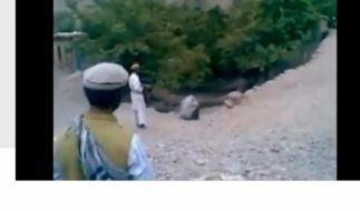 Szene der Hinrichtung einer afghanischen Frau wegen Ehebruchs. (Foto)