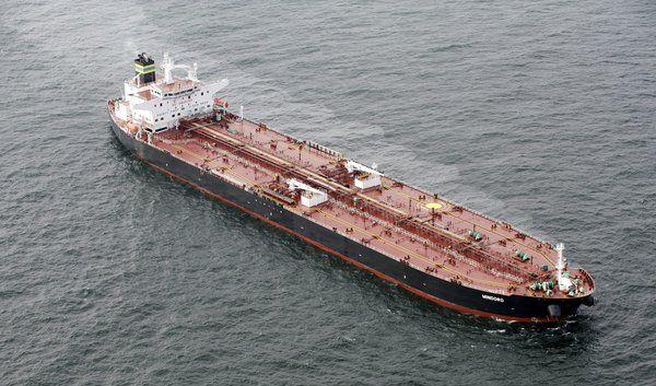 Tanker sind leichte Beute auf offener See. Oft genug sind die Schiffe aber selbst ein Sicherheitsris (Foto)