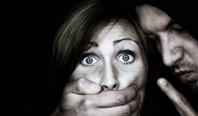Tatverdächtiger nach versuchter Vergewaltigung in Berlin-Spandau gesucht. (Foto)