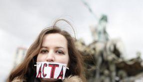 Tausende Acta-Gegner protestieren für Internet-Freiheit (Foto)
