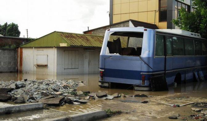 Tausende Flutopfer in Russland ohne Strom und Wasser (Foto)