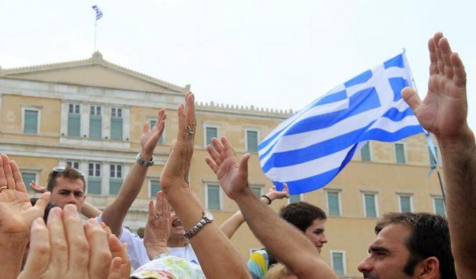 Tausende Griechen belagern das Parlament (Foto)
